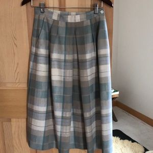 Dresses & Skirts - VINTAGE linen skirt. Gray and pastel plaid